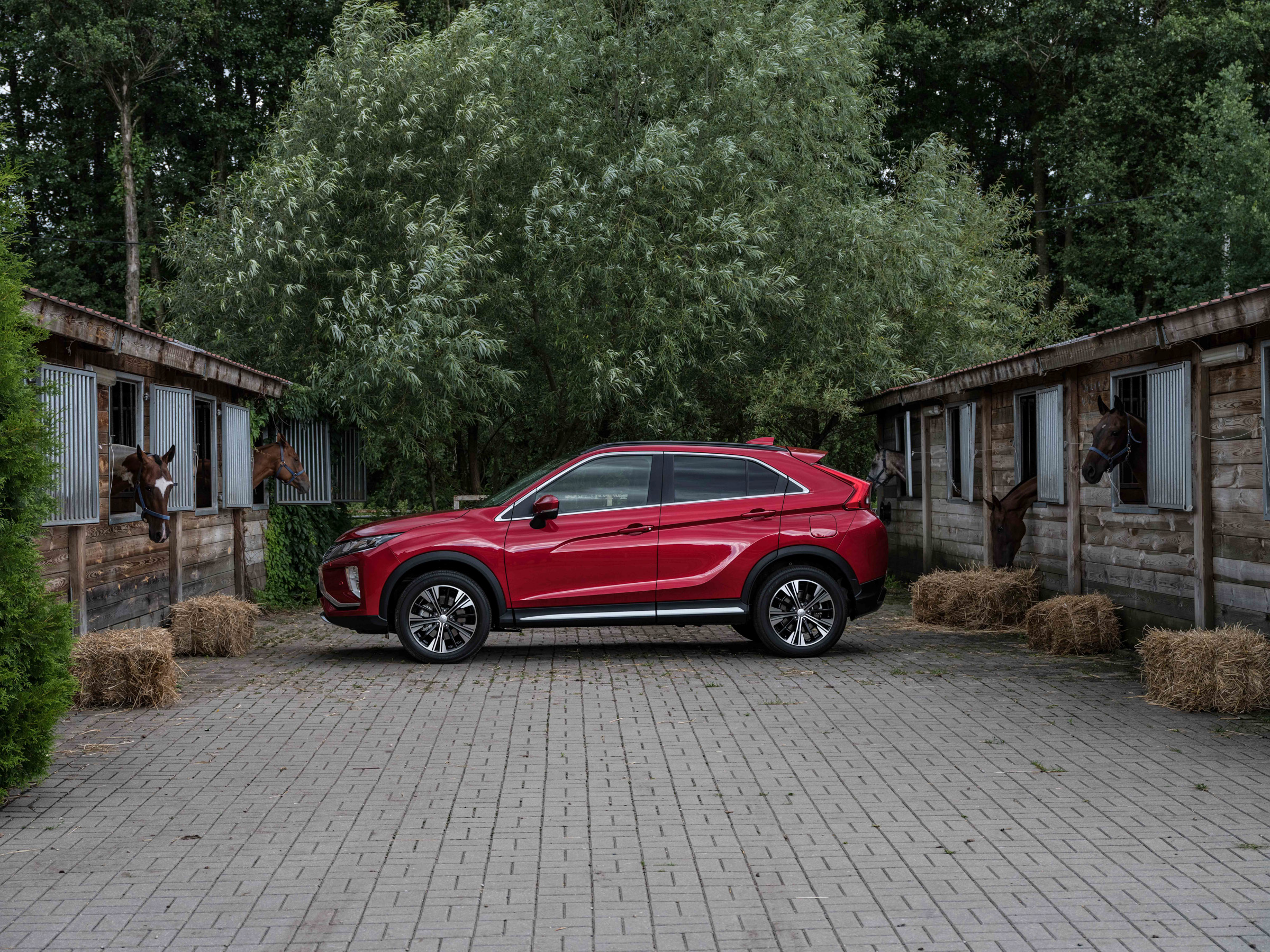 Mitsubishi_Eclipse_Cross_gra_w_polo  55jpg