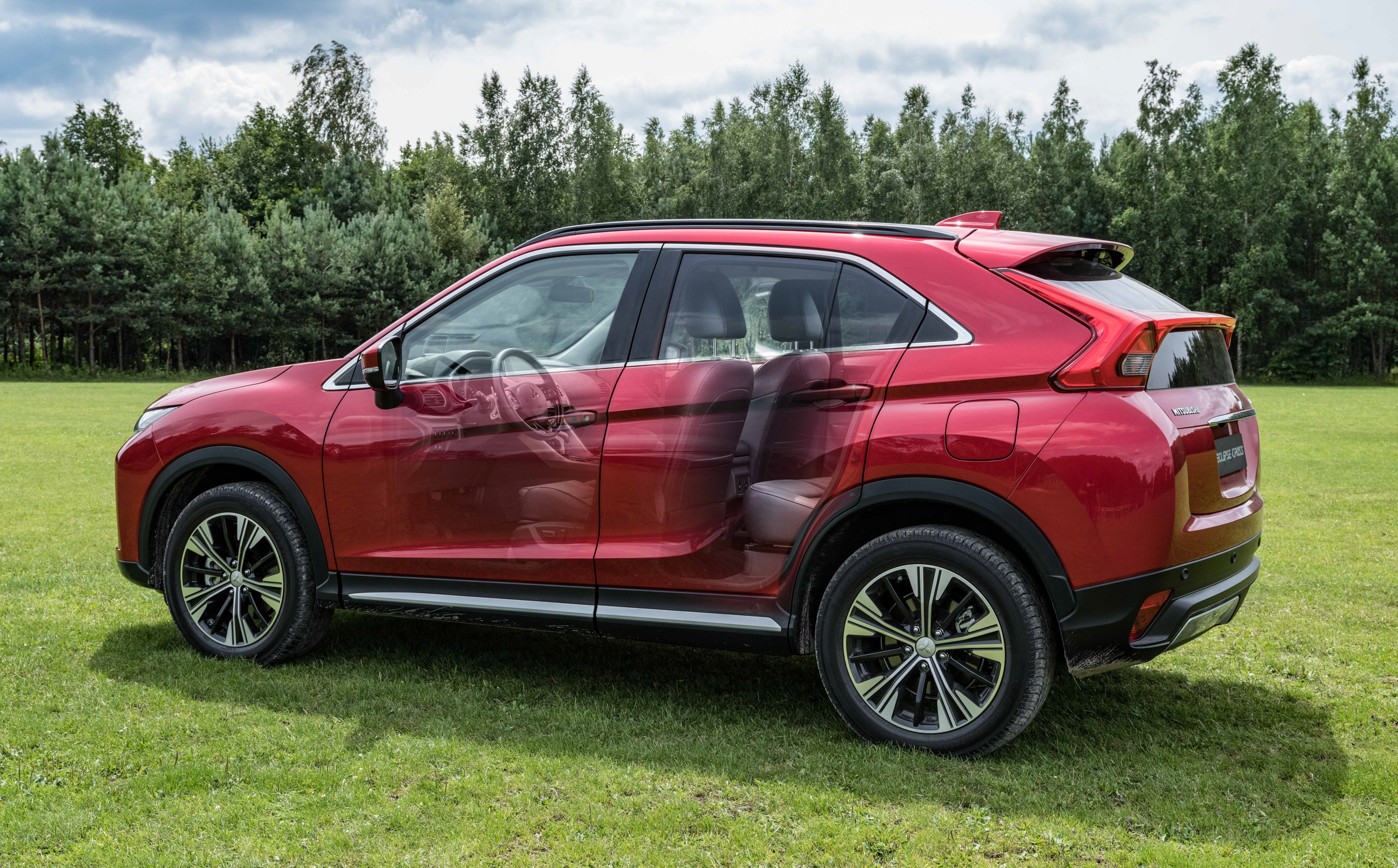 Mitsubishi_Eclipse_Cross_gra_w_polo  27jpg