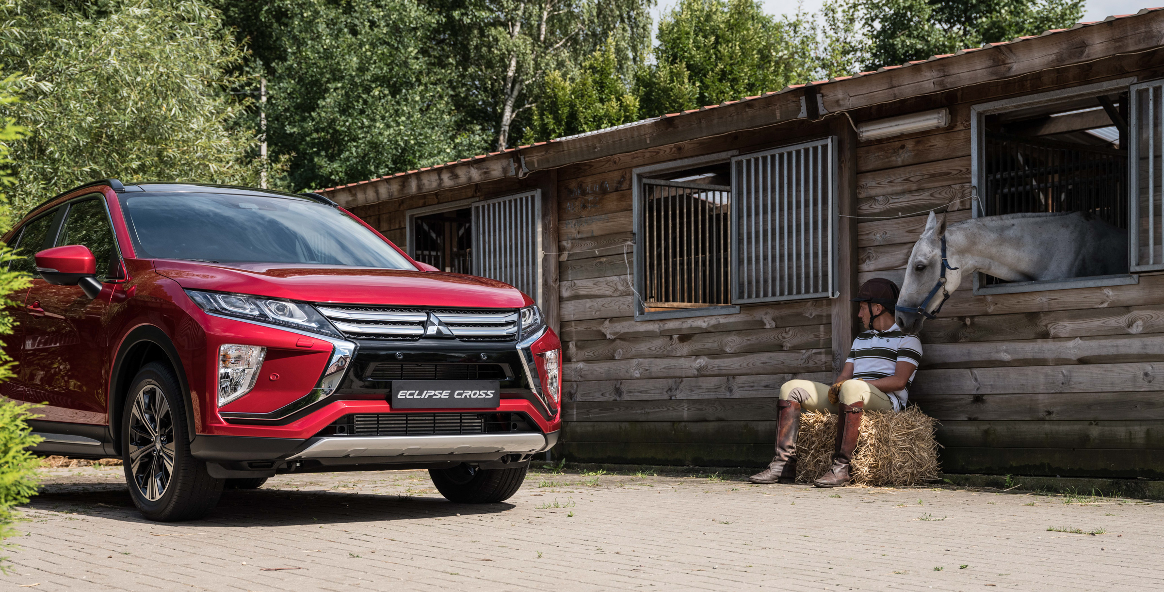 Mitsubishi_Eclipse_Cross_gra_w_polo  47jpg