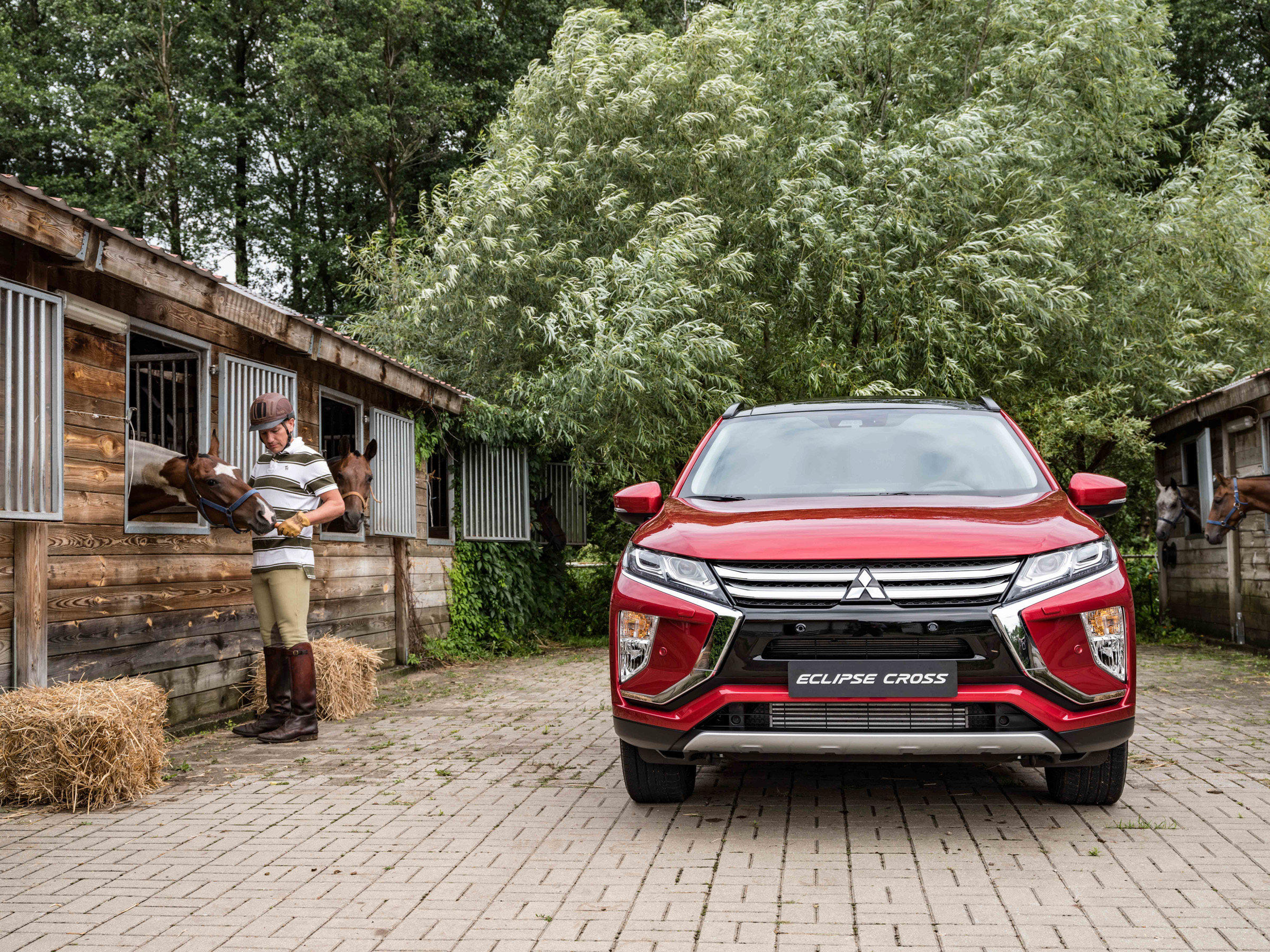Mitsubishi_Eclipse_Cross_gra_w_polo  42jpg