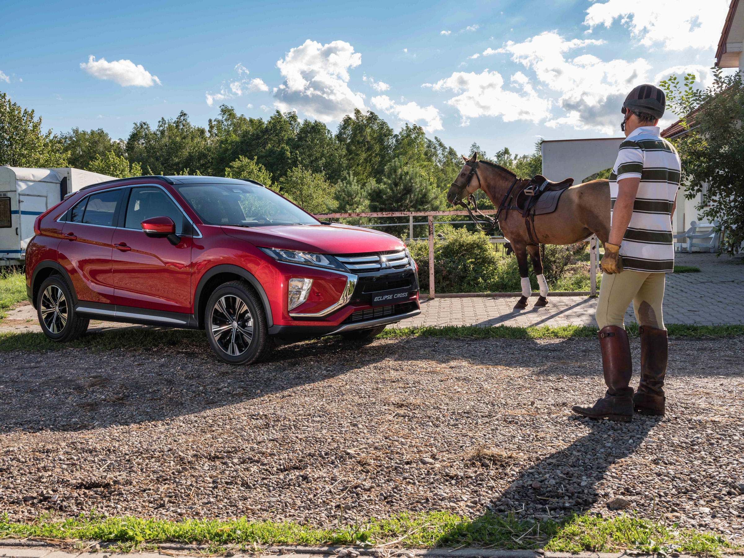 Mitsubishi_Eclipse_Cross_gra_w_polo  2jpg