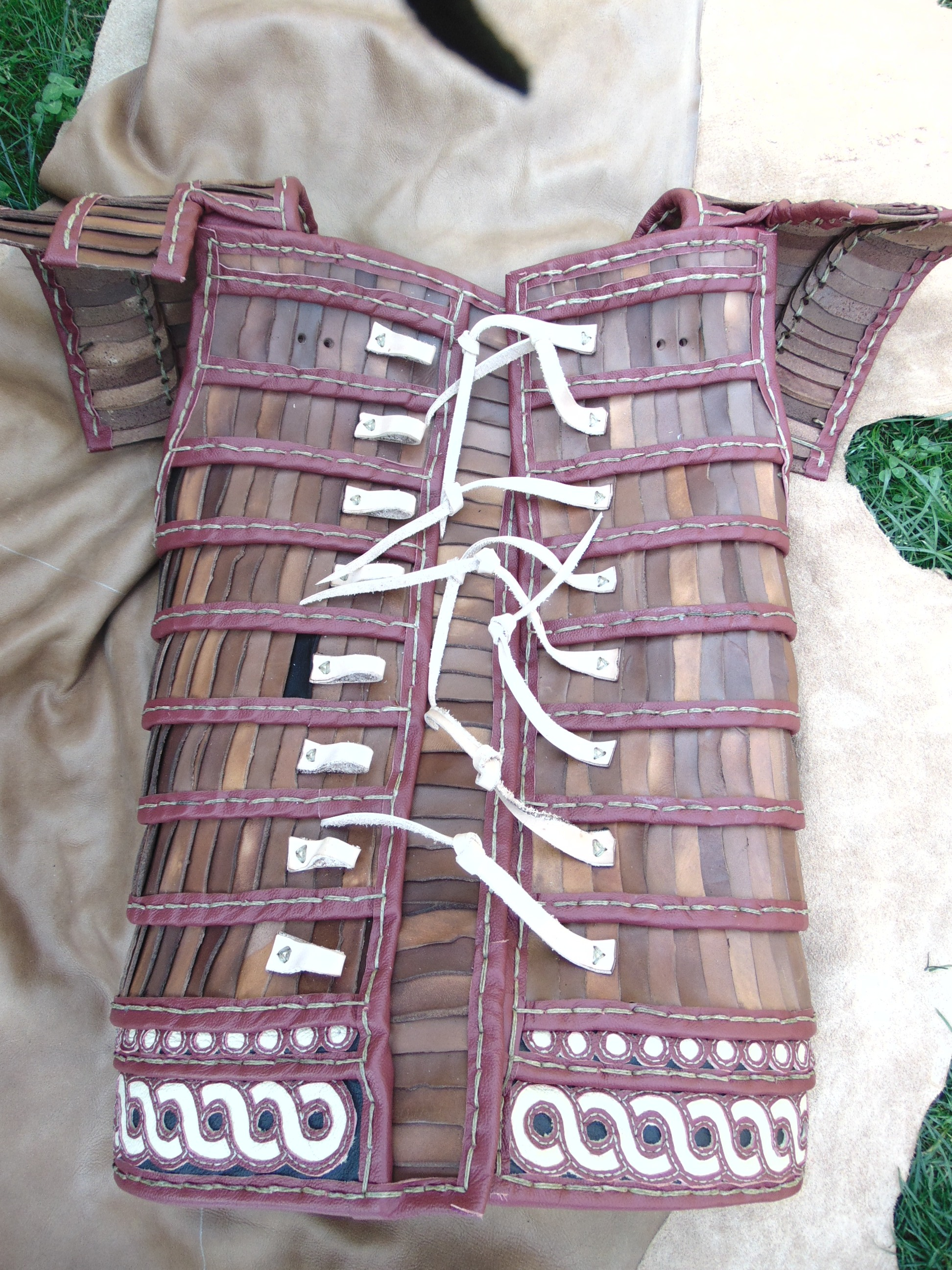 The back of the armour with the detached shoulder protections.