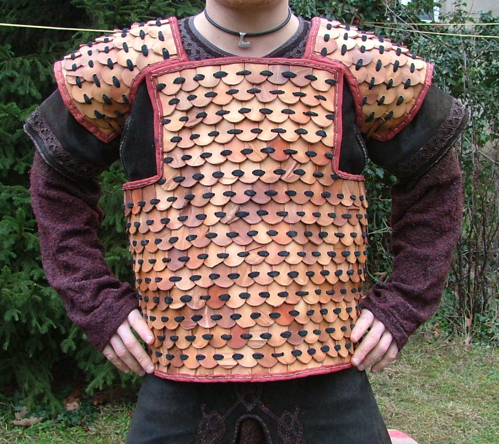 U-shaped cuirass.
