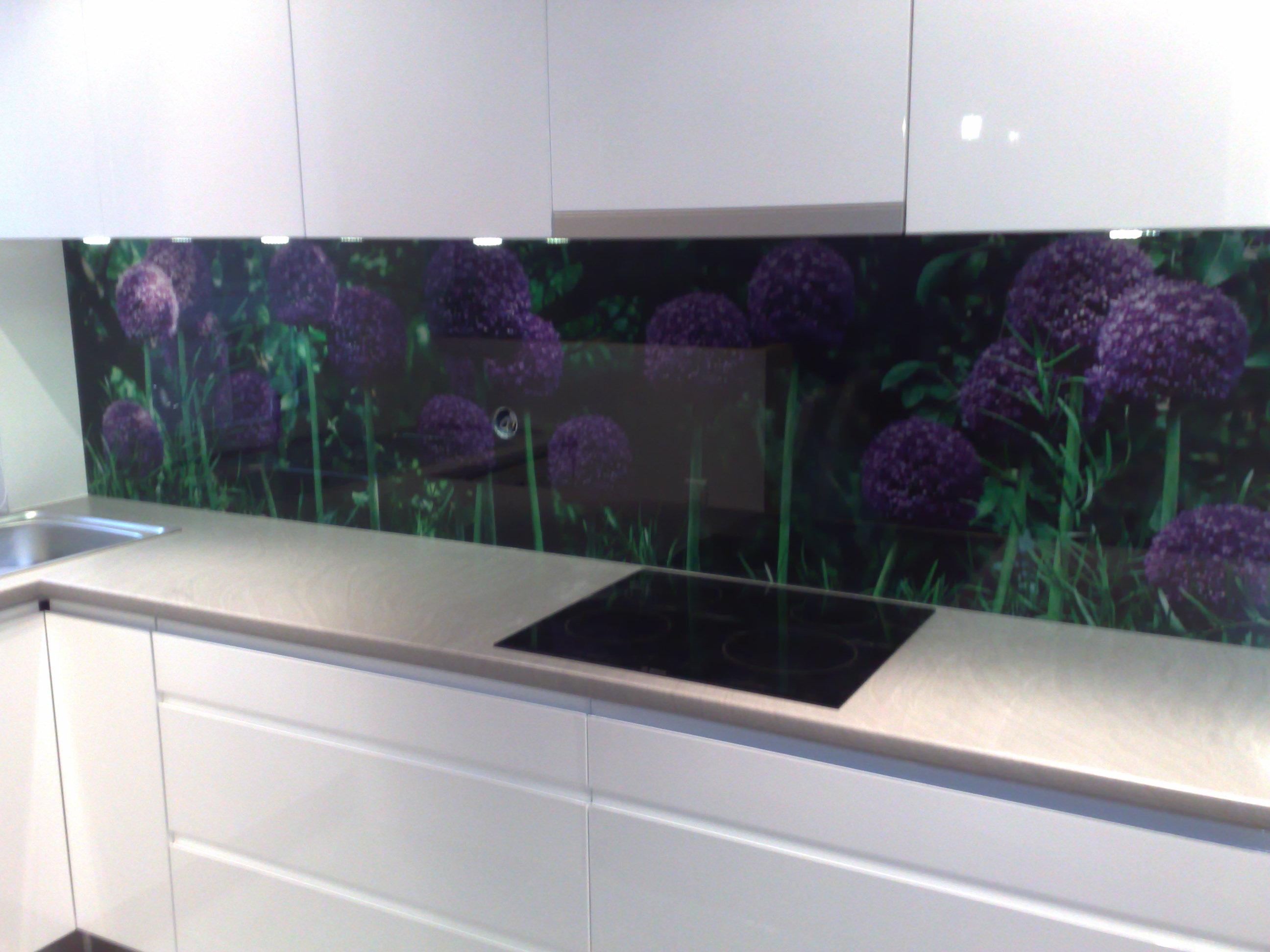 Panel szklany w kuchnii