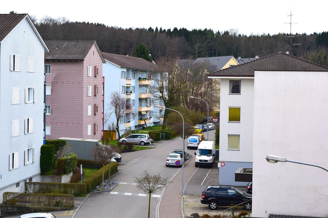 residential-street-708063_1280jpg