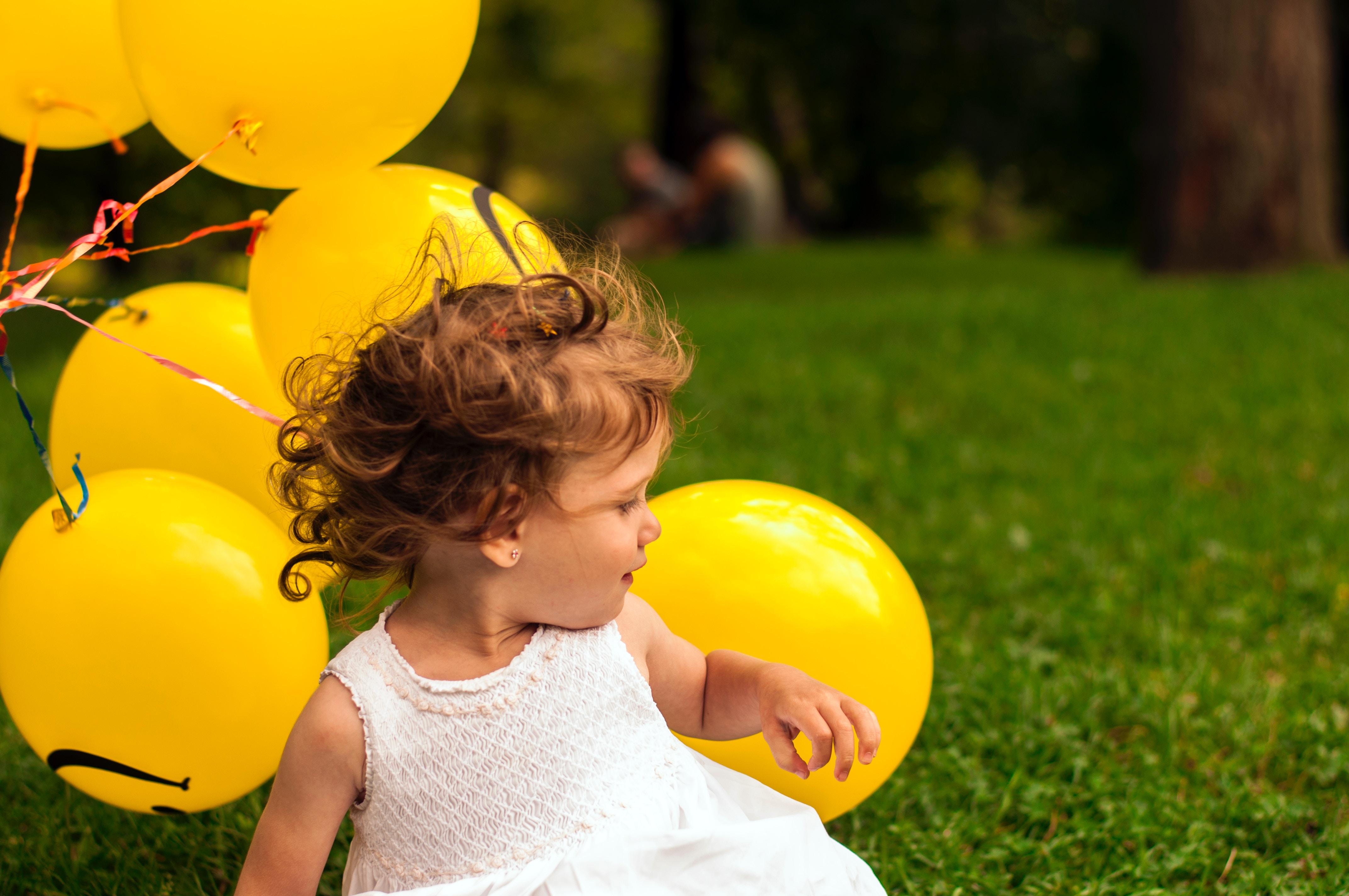 Dziecko z balonamijpg