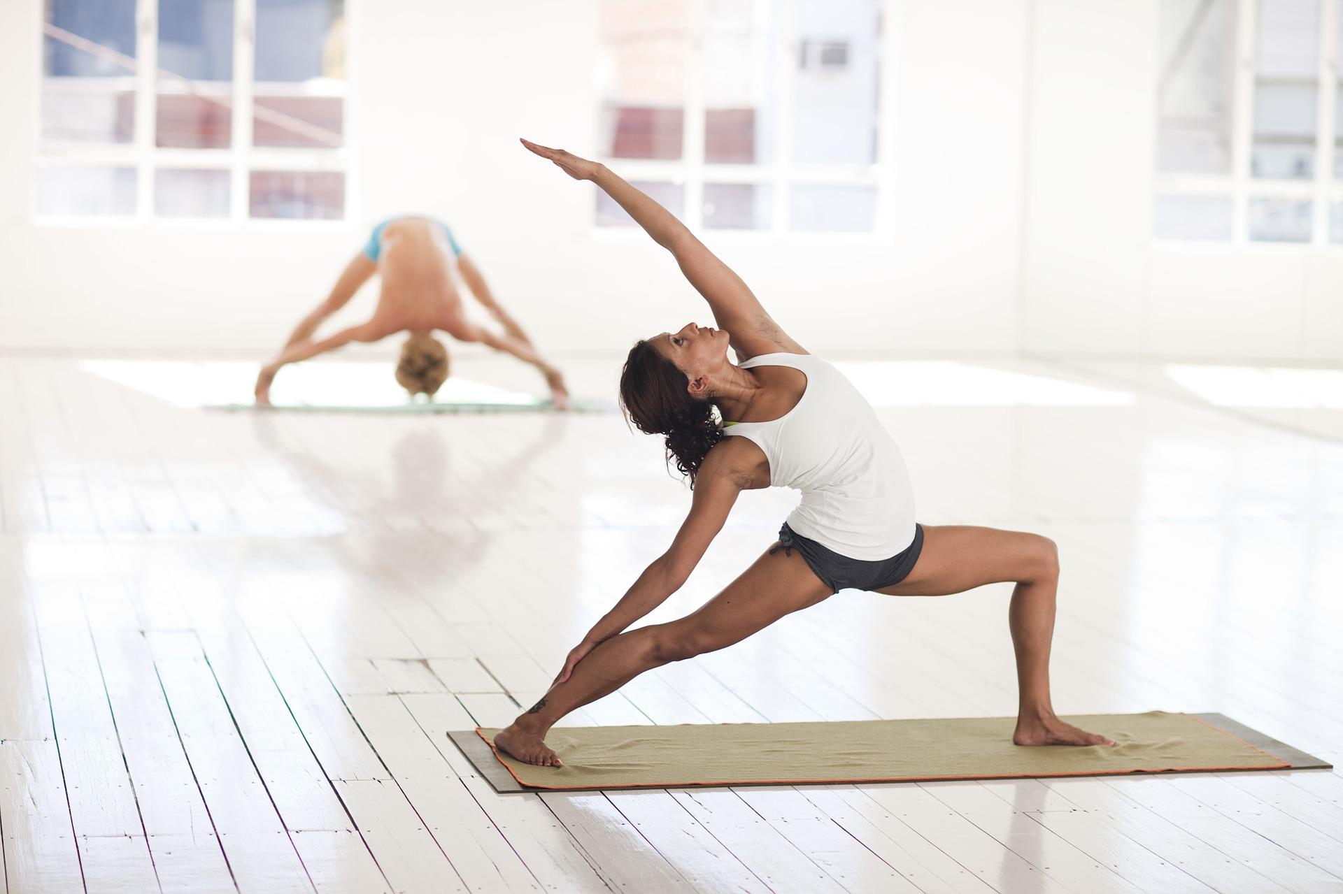 yoga-2959226_1920jpg