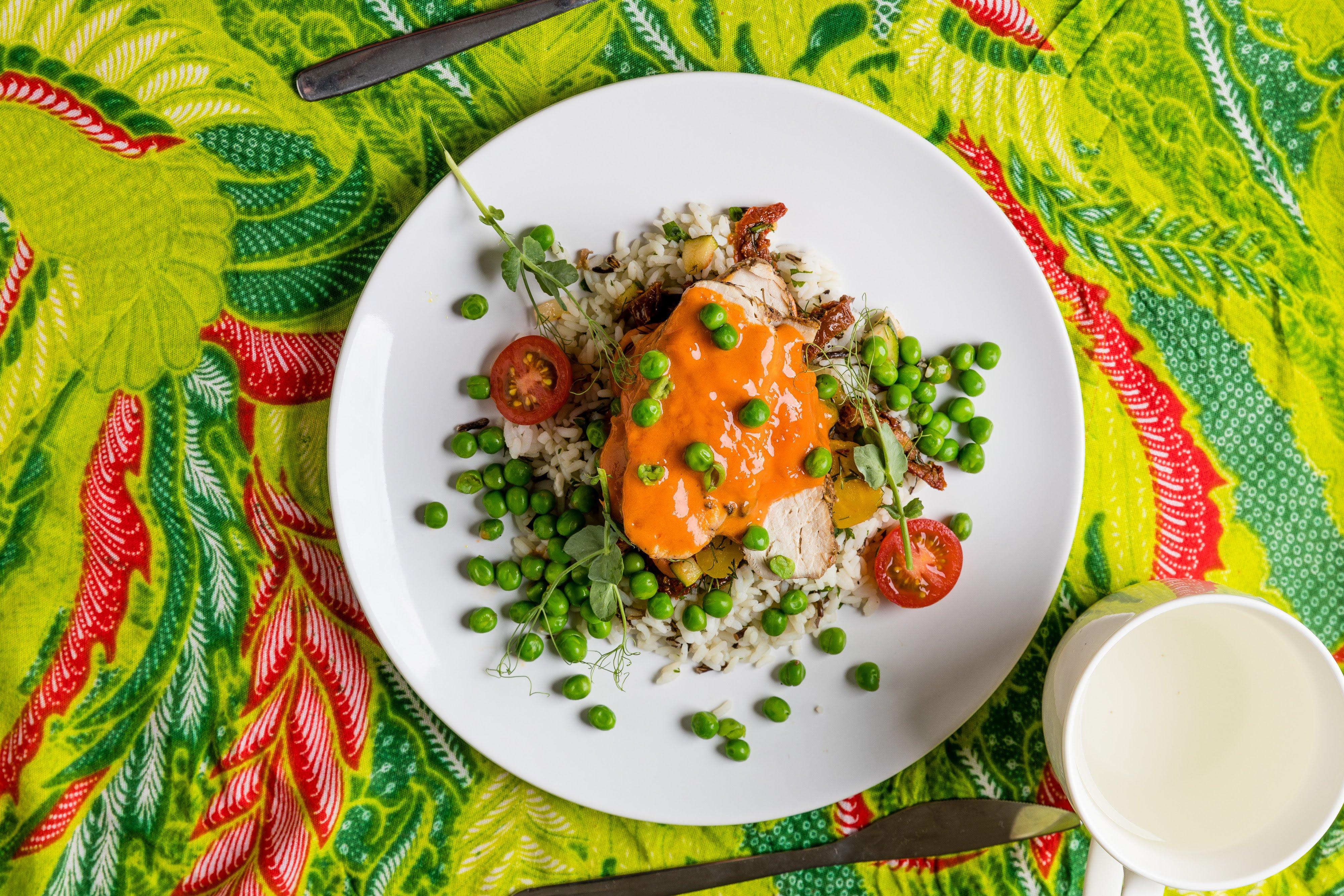 7 piersi z indyka  w sosie musztardowo-miodowym warzywa na parze ry biay z dzikimjpg