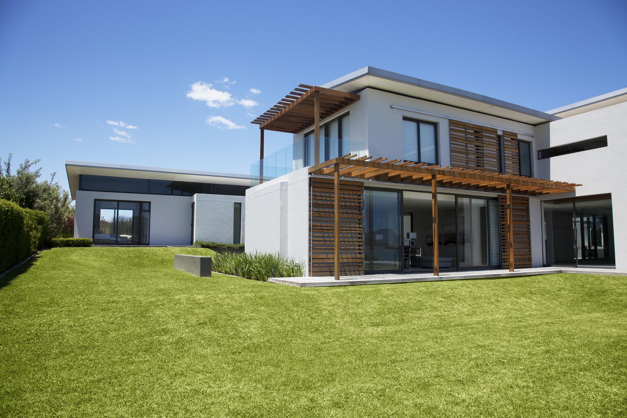 modern-house-and-yardjpg